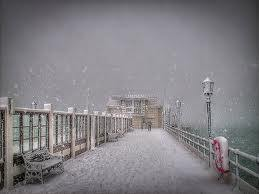 Snow on worthing pier